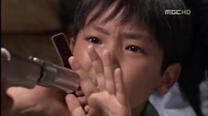 Park Gun Tae as a young Soo Hyun